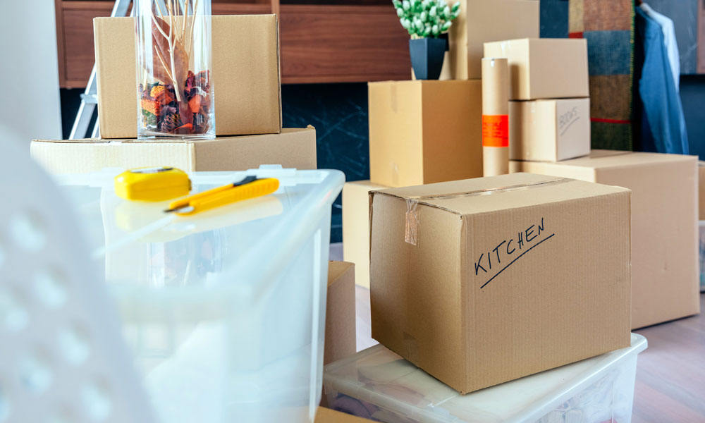 Decluttering Strategies for Moving Home